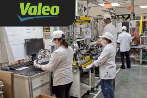 Рабочий на завод по изготовлению авто фар Valeo